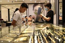 Giá vàng sáng 21/10 tăng 70.000 đồng/lượng