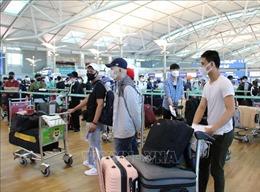 Dịch COVID-19: Đưa 405 công dân Việt Nam từ Hàn Quốc về nước an toàn