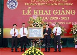 Phó Thủ tướng Trịnh Đình Dũng dự khai giảng năm học mới tại Trường THPT Chuyên Vĩnh Phúc