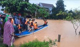 Mực nước có nơi vượt đỉnh lũ năm 1983, hàng ngàn nhà dân Quảng Trị bị ngập sâu