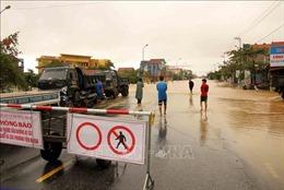 Khuyến cáo người dân không đi qua các tuyến đường ngập sâu tại Quảng Bình, Hà Tĩnh