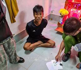 Bắt 9 người trong đường dây mua bán gần 200 tép heroin