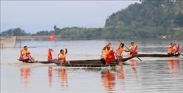 Hội đua thuyền độc mộc trên dòng Pô Cô