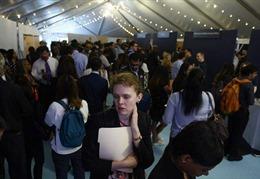 Số người đăng ký nhận trợ cấp thất nghiệp tại Mỹ bất ngờ tăng mạnh