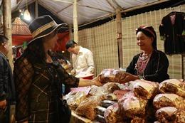 Yên Bái: Khai mạc Hội chợ Thương mại - Du lịch huyện Yên Bình năm 2020