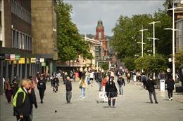 Anh áp đặt hạn chế cao nhất đối với hơn 23 triệu dân vùng England