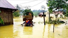 Hỗ trợ nhu yếu phẩm cho hơn 4.300 hộ gia đình ở miền Trung bị bão lũ