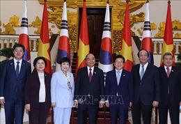 Thủ tướng Nguyễn Xuân Phúc tiếp Chủ tịch Quốc hội Hàn Quốc Park Byeong-Seug