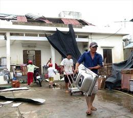 'Mái ấm tình thương' hỗ trợ người dân khắc phục hậu quả bão số 9