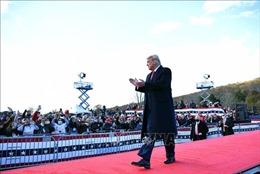 Tổng thống D.Trump xuất hiện lần đầu tiên trước công chúng kể từ khi truyền thông đưa tin ông Biden chiến thắng