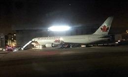 Máy bay Boeing 737-8 MAX của Canada gặp sự cố về động cơ