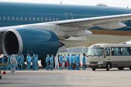 Đưa trên 340 công dân Việt Nam từ Nga về nước