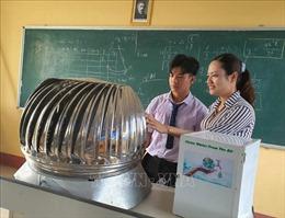Độc đáo mô hình máy tạo ra nước sạch từ năng lượng điện gió
