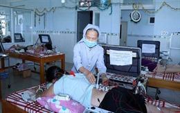 Người nữ tu tận tâm phục vụ bệnh nhân nghèo