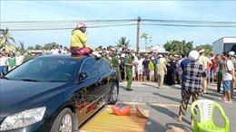 Khởi tố nhóm người chắn xe ngang quốc lộ gây rối trật tự công cộng