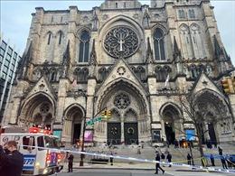 Thủ phạm vụ xả súng bên ngoài nhà thờ tại New York đã tử vong