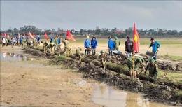 Hàng chục nghìn hộ dân ở Quảng Trị thiếu nước sinh hoạt sau lũ lụt