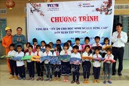 TTXVN mang 'Tết ấm cho học sinh nghèo vùng cao'tỉnh Kon Tum