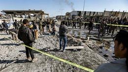 Xe buýt chở binh sĩ Syria bị tấn công, 15 người thiệt mạng