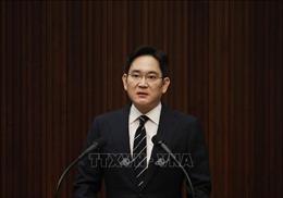 Người thừa kế Tập đoàn Samsung bị kết án 2,5 năm tù giam