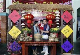 Ngời sắc Xuân, rộn ràng Tết Việt trên đất nước Triệu Voi