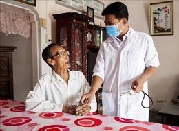 Bác sĩ người Khmer hết lòng chăm sóc sức khỏe cho dân nghèo