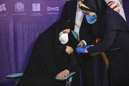Iran thiết lập phòng xét nghiệm COVID-19 tự động đầu tiên