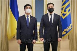 Tổng thống Ukraine ấn tượng với những thành tựu của Việt Nam
