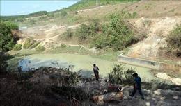Thăm hỏi, động viên gia đình của ba em nhỏ tử vong do đuối nước ở Kon Tum