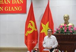 Phó Chủ tịch Quốc hội Trần Thanh Mẫn kiểm tra công tác bầu cử tại Tiền Giang
