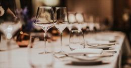 Pháp điều tra 'các bữa tối bí mật'vi phạm quy định chống dịch COVID-19