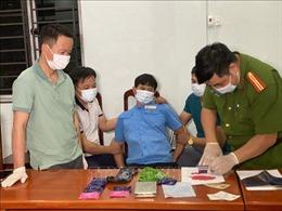 Bắt nguyên chủ tịch xã ở Lào Cai mua bán ma túy