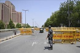 Chuyên gia y tế hàng đầu Mỹ khuyến nghị Ấn Độ áp đặt phong tỏa