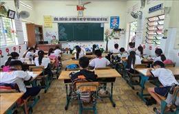 Một số địa phương dừng các hoạt động không thiết yếu và cho học sinh tạm dừng đến trường
