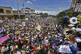 Biểu tình bạo loạn kéo dài phản đối cải cách thuế tại Colombia