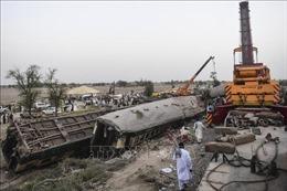 Vụ tai nạn đường sắt tại Pakistan: Số người thiệt mạng tăng lên 63 người