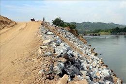 Khắc phục khẩn cấp tình trạng sạt lở bờ sông Lô