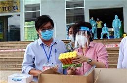Lãnh đạo TP Hồ Chí Minh thăm các khu cách ly tập trung