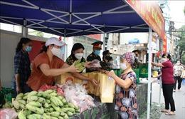 Hà Nội: 'Chợ 0 đồng' không để ai bị thiếu đói