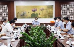 Phó Thủ tướng Vũ Đức Đam khảo sát công tác phòng, chống dịch tại quận Phú Nhuận