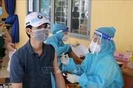 Người dân Bình Dương hưởng ứng tiêm vaccine Vero Cell
