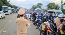 Hỗ trợ người dân từ các tỉnh, thành phía Nam về quê an toàn