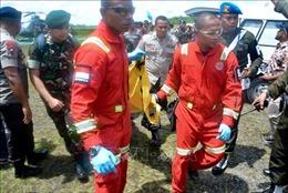 Những tay súng ly khai xả súng vào máy bay chở binh sỹ và quan chức tại Indonesia