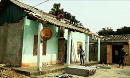 Gần 3.000 ngôi nhà tại 8 tỉnh bị hư hỏng do dông lốc