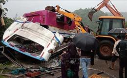 Tai nạn xe buýt thảm khốc tại Ấn Độ, ít nhất 21 người thiệt mạng