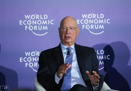 Bộ trưởng Bộ Khoa học và Công nghệ tiếp Chủ tịch điều hành Diễn đàn kinh tế thế giới