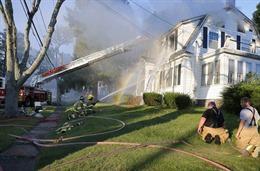 Mỹ: Hơn 70 vụ cháy nổ rung chuyển Boston, hàng trăm người phải sơ tán
