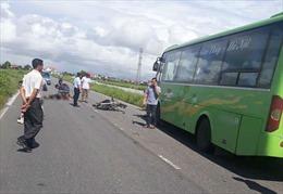 2 người tử vong trong tai nạn giữa xe máy và xe khách