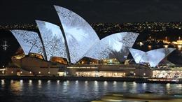 Di sản văn hóa nổi tiếng Opera House bị biến thành 'biển quảng cáo' đua ngựa