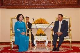 Chủ tịch Thượng viện Campuchia tiếp Đoàn đại biểu cấp cao Đảng Cộng sản Việt Nam
